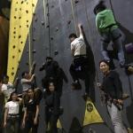 活动回顾:初体验,趣无限——攀岩挑战